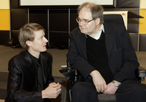 Dr. Rob Labruyere ist 2012 für seine Dissertation zum Training mit dem Lokomat von der Fürst Donnersmarck-Stiftung belobigt worden