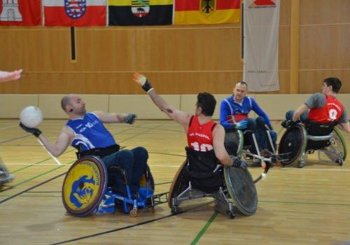 Rollstuhlrugby: Ein hart umkämpfter Ball beim Donnersmarck Cup 2018