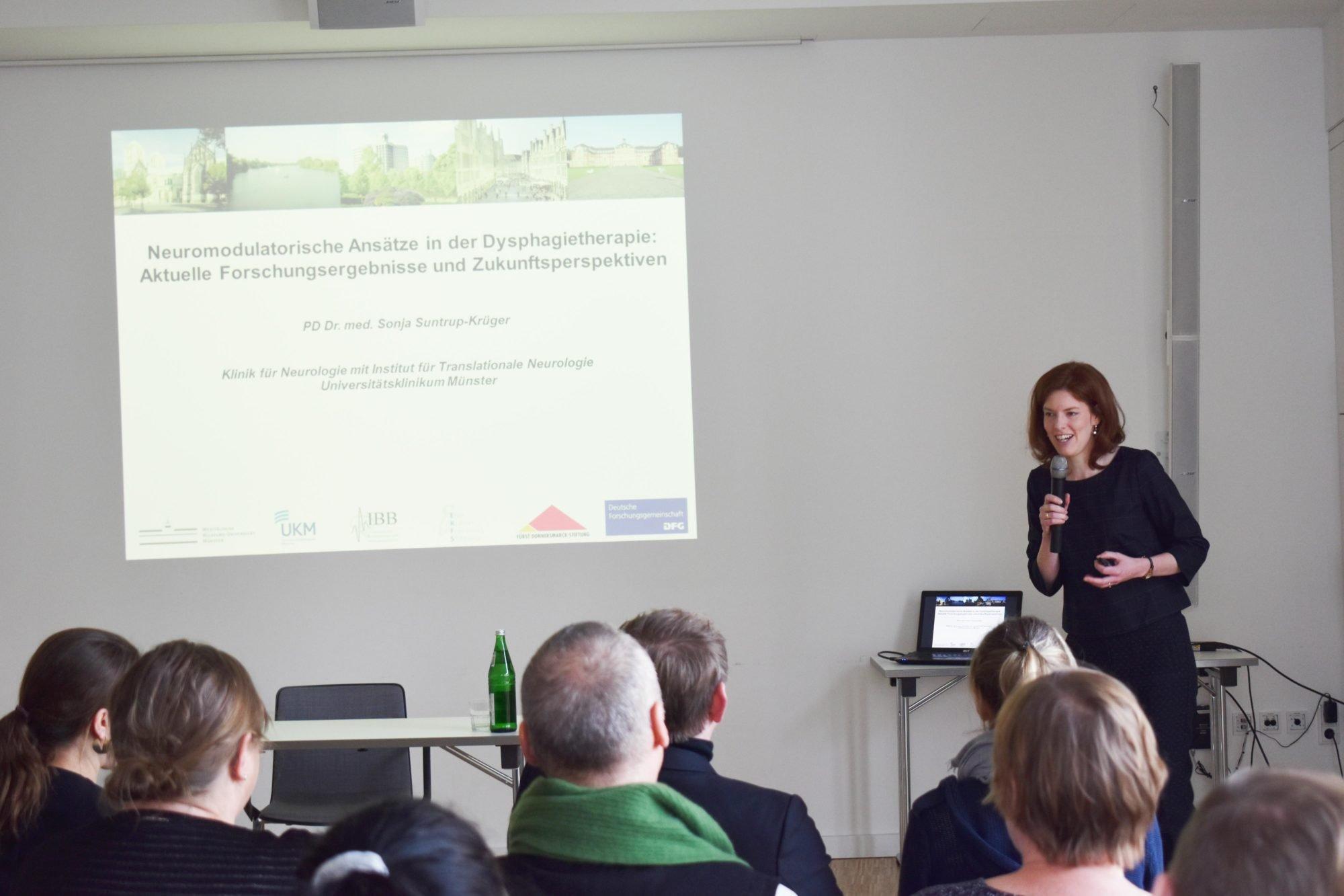 Sonja Suntrup-Krüger berichtet über ihre Forschung zu Schluckstörungen.
