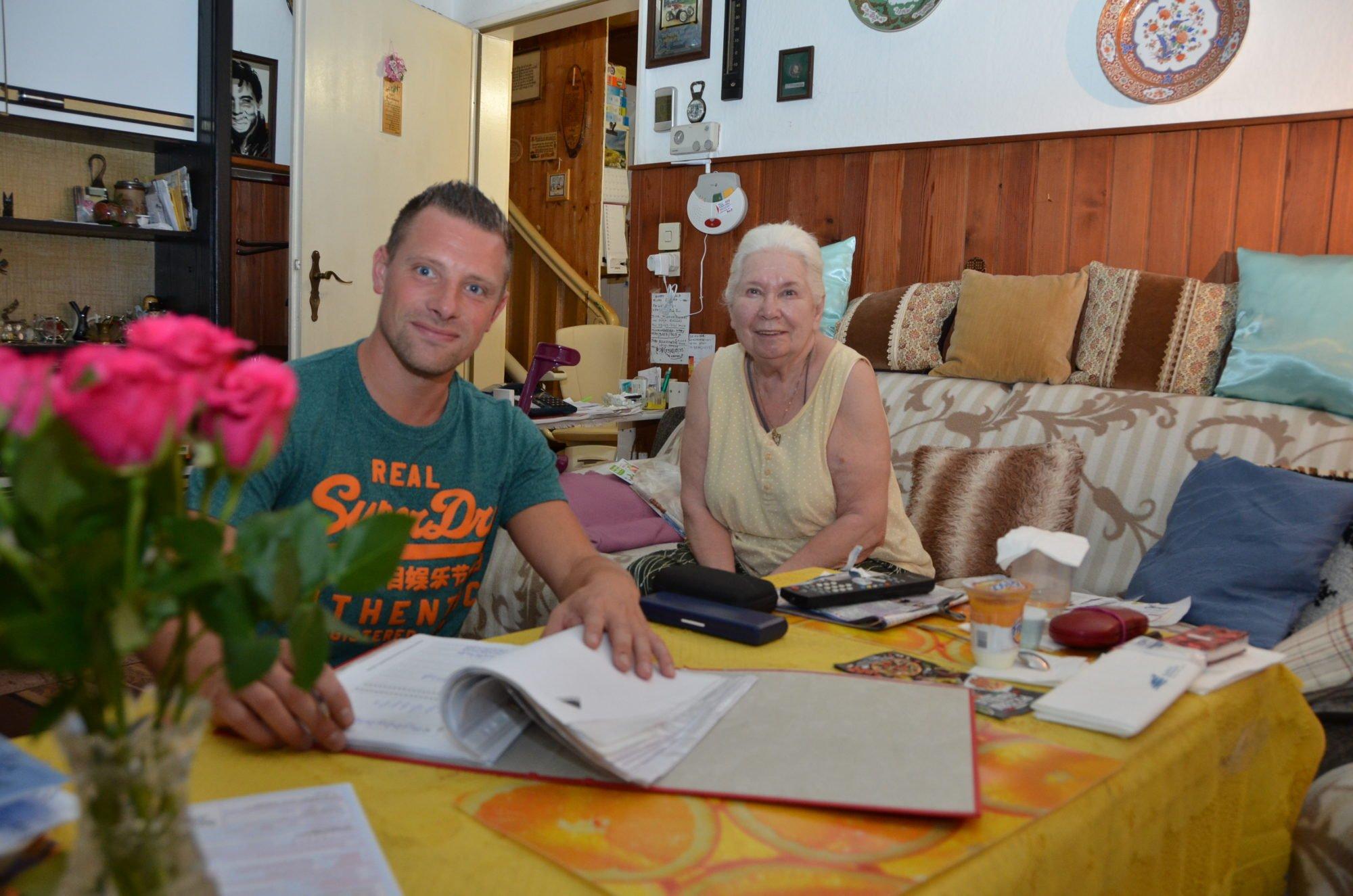 Marco Noack mit seiner Klientin Frau Rogge.