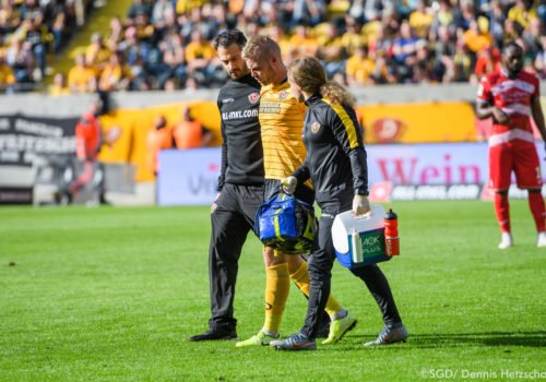 Onays Al-Sadi, Mannschaftsarzt bei Dynamo Dresden, im Einsatz.