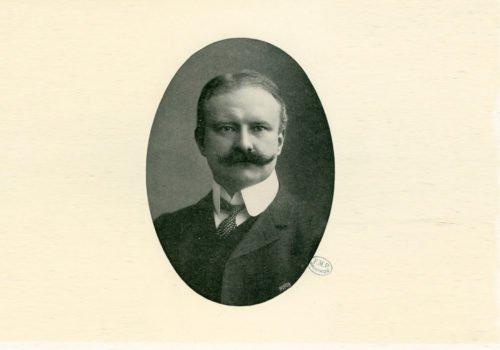 Porträtfoto von August Bier