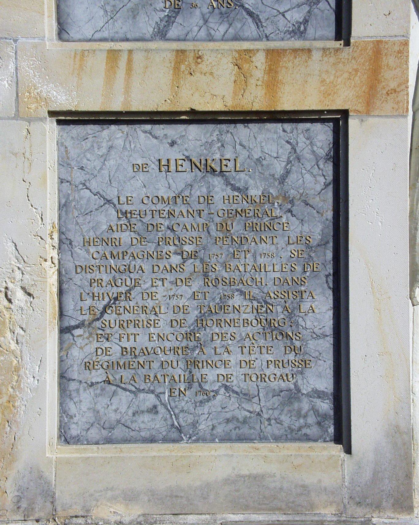 Zu sehen ist die Inschrift des Obelisken.